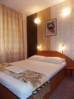 <b>Hotel Holiday</b> Tel: 0722316151