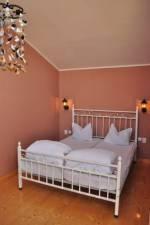 <b>Vila Pestisorul</b> Tel: 0774027510