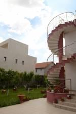 <b>Pensiunea Vila Andros</b> Tel: 0737285889